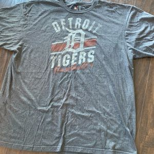 MLB Detroit Tigers 2XL soft t-shirt